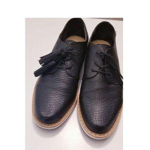 Shoe dazzle Black Oxfords Size 9.5